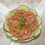 Салат и з огурцов и помидор
